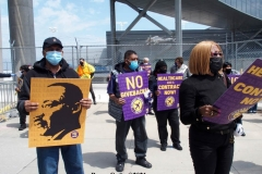 NEW YORK - Airport workers rally for fair contract. 10,000 workers at the 3 major airports in the New York Tri-State area hold signs and demand a fair contract including health benefits.Over 250 members of 32Bj union hold signs and chant in front of terminal 5 at John F. Kennedy airport some elected officials speak to the protestors.