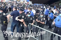NYPD moves forward to remove protesters from the Barclay's