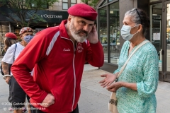 Curtis Sliwa, founder of the Guardian Angels, talks to an Upper West Side resident while patroling the  Upper West Side in New York City on August 9, 2020. Residents have complained about an uptick in crime and drugs as well as the housing of sexual offenders in the neighborhood after hotels in the neighborhood have been turned into homeless shelters. (Photo by Gabriele Holtermann)