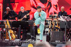 """Hip Hop legend LL Cool J performs for the crowd attending the """"We Love NYC Homecoming Concert"""" on the Great Lawn in Central Park.(Photo by Gabriele Holtermann)"""