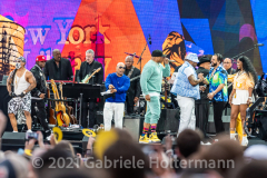 """LL Cool J and friends perform for the crowd attending the """"We Love NYC Homecoming Concert"""" on the Great Lawn in Central Park.(Photo by Gabriele Holtermann)"""