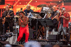"""Earth, Wind & Fire play for the crowd attending the """"We Love NYC Homecoming Concert"""" on the Great Lawn in Central Park.  (Photo by Gabriele Holtermann)"""
