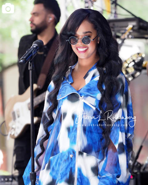 H.E.R. Performs Live on TODAY