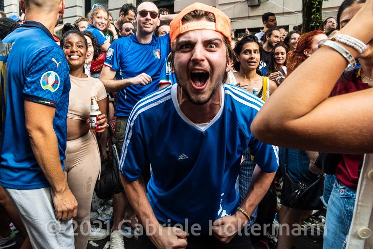 Italian Fans Cheer on Their Azzurri in the Euro Cup 2020 Final Against England